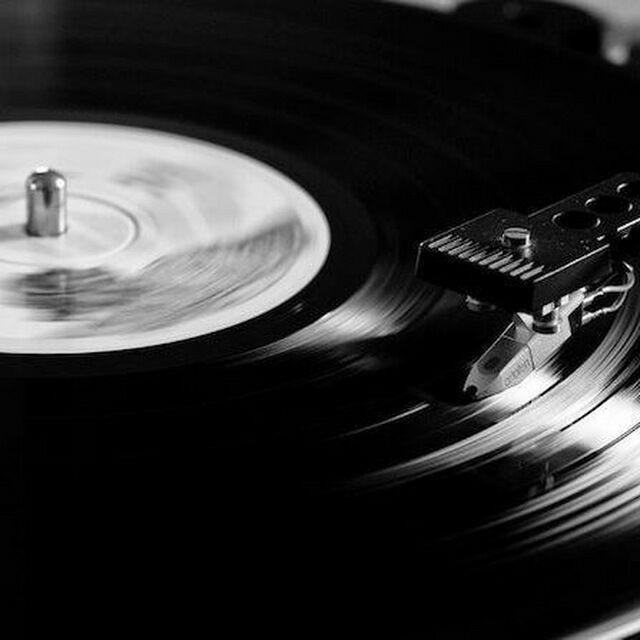 +Música